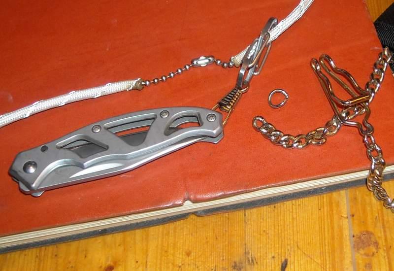 Gerber-paraframe-para-tag-neck-knife-1