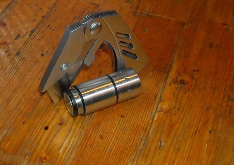 Knives-W-Lights-Minimalist-2
