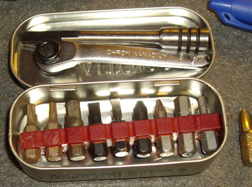 Mini-Tin-Bit-Kit-5